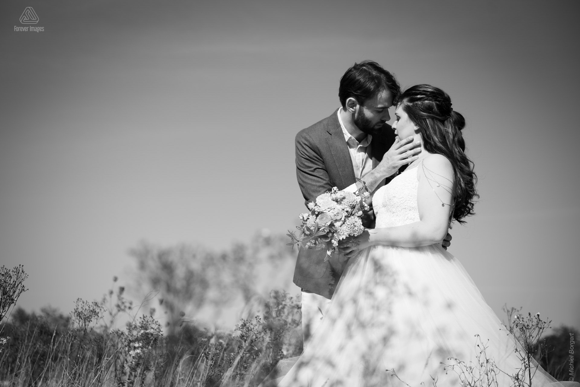 Bridal photo black and white wedding couple romantic intimate together outside | Wedding Photographer Michiel Borgart - Forever Images.